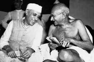 पुनरावलोकन : हिंसक समय में गांधी
